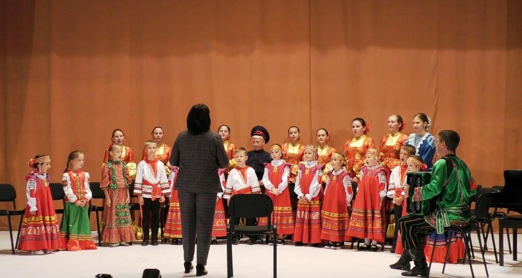 на открытом уроке народного хорового пения